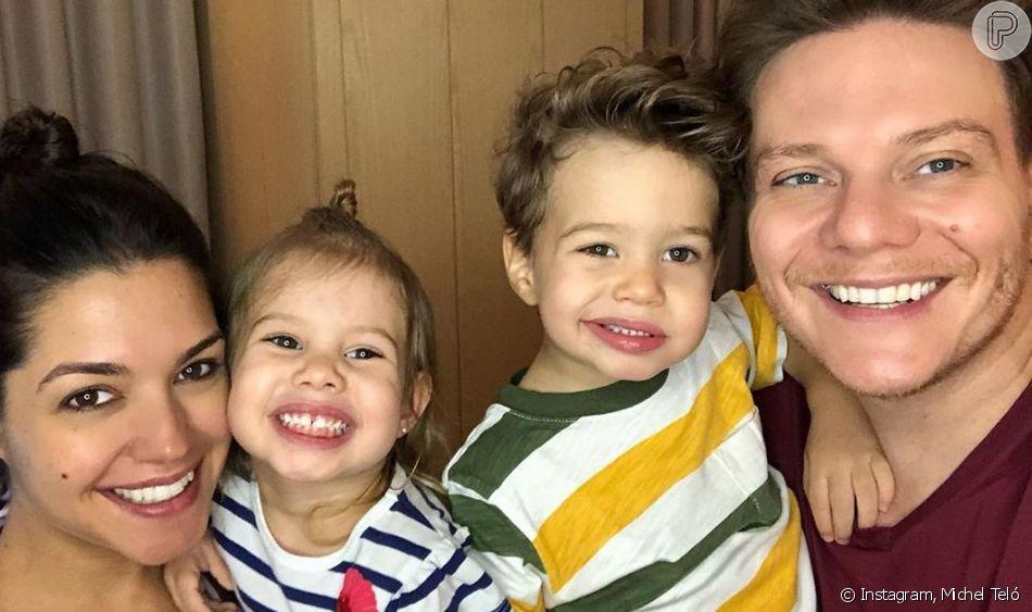 Filhos de Michel Teló e Thais Fersoza usam penteados idênticos aos dos pais. Veja vídeo postado nesta quarta-feira, dia 11 de agosto de 2019
