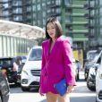 Look monocromático rosa é tendência e pode ser usado de maneira elegante nos dias de calor