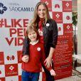 Acompanhada do filho, Adriane Galisteu visitou hospital em São Paulo nesta terça-feira, 24 de setembro de 2019