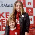 Adriane Galisteu e o filho, Vittorio, se reuniram em campanha de doação de órgãos