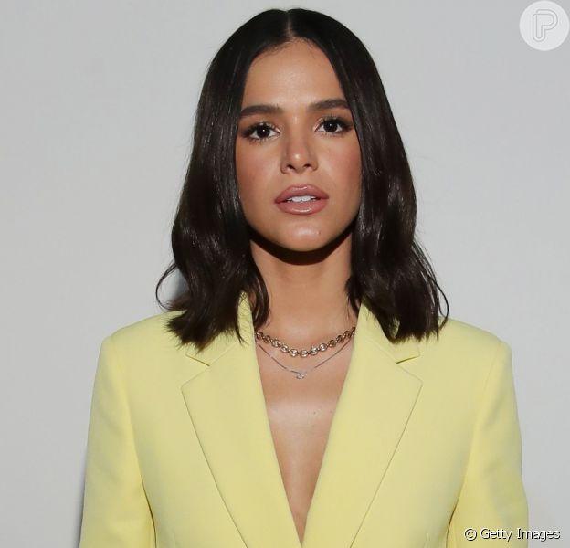 Bruna Marquezine comemora volta para casa após Semana de Moda de Milão e Paris, em 29 de setembro de 2019