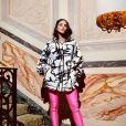 Bruna Marquezine usou looks estilosos em Milão e Paris