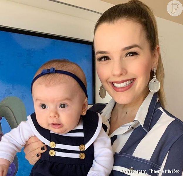 Filha de Thaeme Mariôto, Liz, de 5 meses, visitou a mãe em estúdio