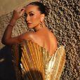 Sabrina Sato elegeu joias Tiffany&Co para prestigiar o desfile na Itália