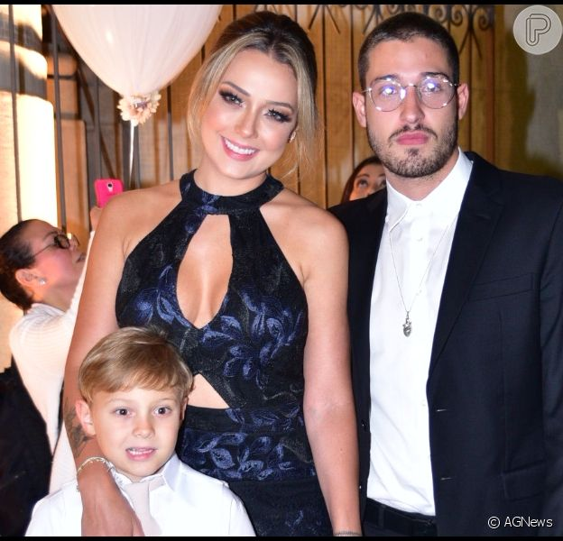 Marido de Carol Dantas, Vinicius Martinez falou sobre relação com Davi Lucca, filho de Neymar Jr., nesta quarta-feira, 16 de outubro de 2019