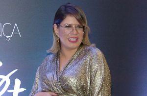 Marília Mendonça brinca ao mostrar tamanho do pé durante gravidez: 'Usando 40'