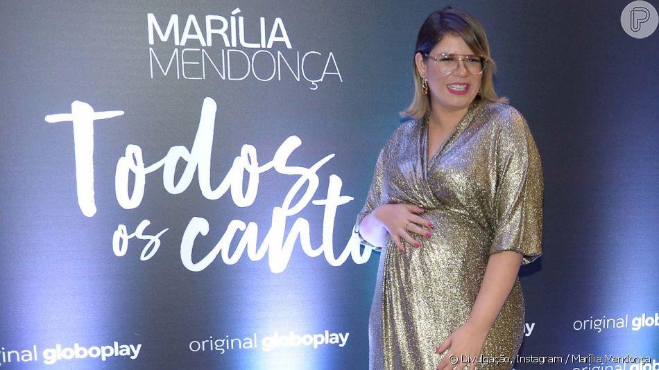 Marília Mendonça brinca ao mostrar tamanho do pé durante gravidez, em 20 de outubro de 2019