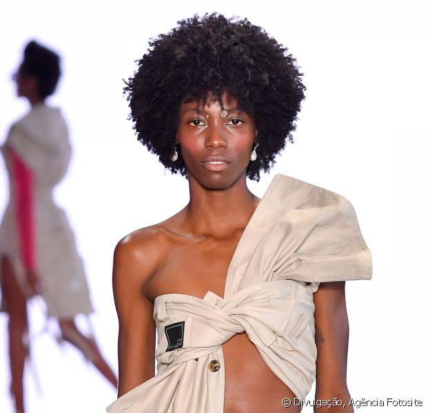 Truques de moda: inspire-se em 4 dicas para inovar e aproveitar melhor as peças do guarda-roupa