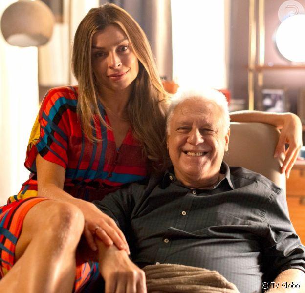 Doença de Alberto (Antônio Fagundes) regride e ele ganha mais tempo de vida graças à motivação dada por Paloma (Grazi Massafera)na novela 'Bom Sucesso'