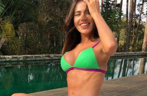 Adriana Sant'Anna posa de biquíni e entrega truque para foto: 'Golden hour'