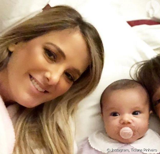 Filha mais nova de Ticiane Pinheiro chamou atenção por expressão em foto: 'Risadinha gostosa'