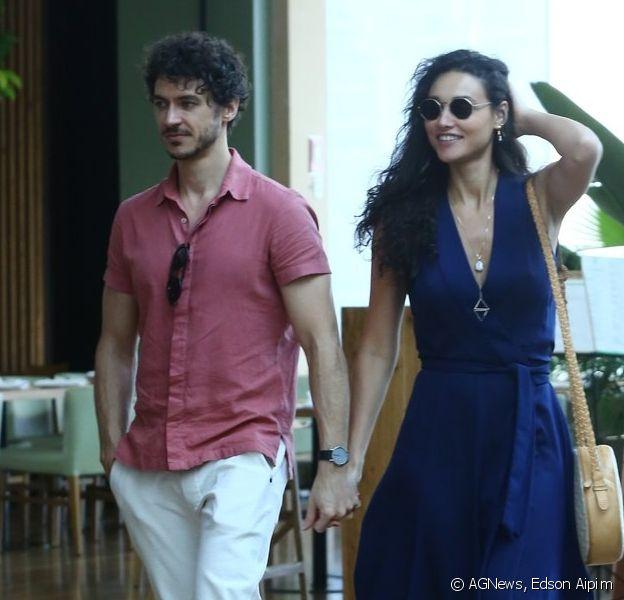 Débora Nascimento passeia em shopping com o namorado, Luiz Perez, em 2 de novembro de 2019