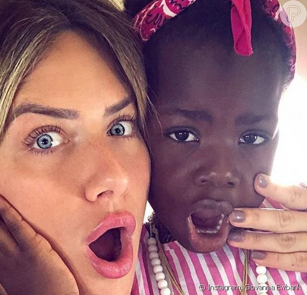 Giovanna Ewbank encantou com foto da filha, Títi: 'Te amo, meu amor'