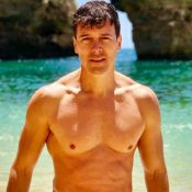 Que luxo! Rodrigo Faro inaugura piscina aquecida em mansão. Veja vídeo