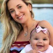 Filha de Tici Pinheiro e Tralli, Manuella sorri em foto com avó Helô: 'Boneca'