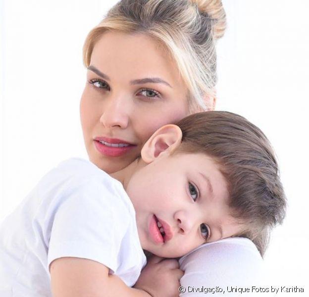 Mulher de Gusttavo Lima, Andressa Suita aponta semelhança com filho mais velho em foto nesta quinta-feira, dia 28 de novembro de 2019