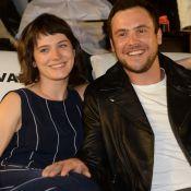 Bianca Bin e Sergio Guizé são clicados em clima de diversão e romance em evento