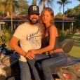 Dupla de Fernando, Sorocaba chegada de primeiro filho com a noiva, Biah Rodrigues, em foto no Instagram nesta sexta-feira, dia 13 de dezembro de 2019