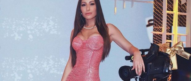 Sabrina Sato entrega segredo de cintura fina em look de festa: 'Cinta'. Veja!