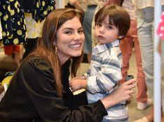 Filho de Bruna Hamú faz fofurômetro explodir em evento de moda infantil. Fotos!