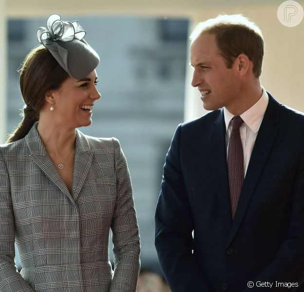 Kate Middleton apareceu em público pela primeira vez nesta terça-feira, 21 de outubro de 2014, após anunciar que está grávida pela segunda vez