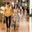 Fátima Bernardes aliou conforto e estilo em seu look para o passeio com o namorado, Túlio Gadêlha