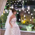 Andreia Horta usa vestido de noiva com pedras preciosas na pele de Maria Clara de 'Império'. Look é assinado pela estilista Lethicia Bronstein