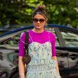 Alças finas e babados são tendência e aparecem nos vestidos de verão