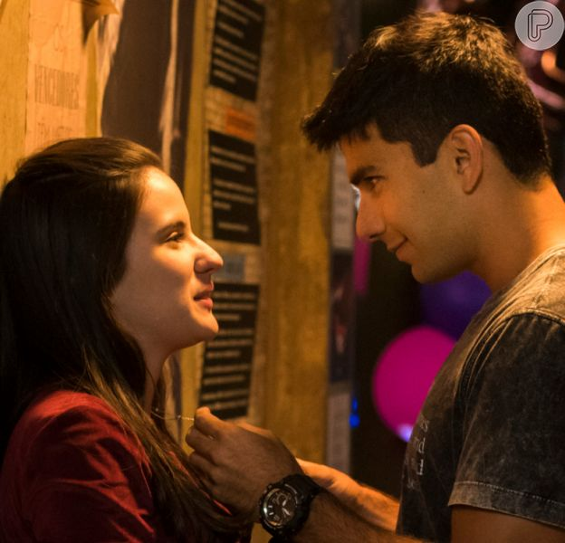 Na novela 'Malhação: Vidas Brasileiras', Milena (Giovanna Rispoli) transa com Daniel (Hugo Moura) pela primeira vez no capítulo de terça-feira, 21 de janeiro de 2020