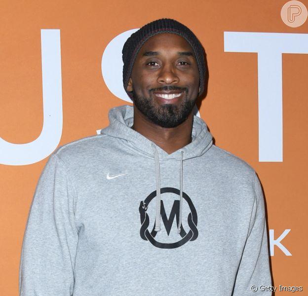 Jogador de basquete Kobe Bryant morre em acidente aéreo aos 41 anos, em 26 de janeiro de 2020
