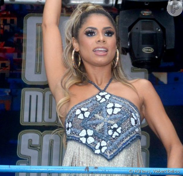 Anitta leva mordida de Lexa na coxa após show nesta quinta-feira, dia 30 de janeiro de 2020