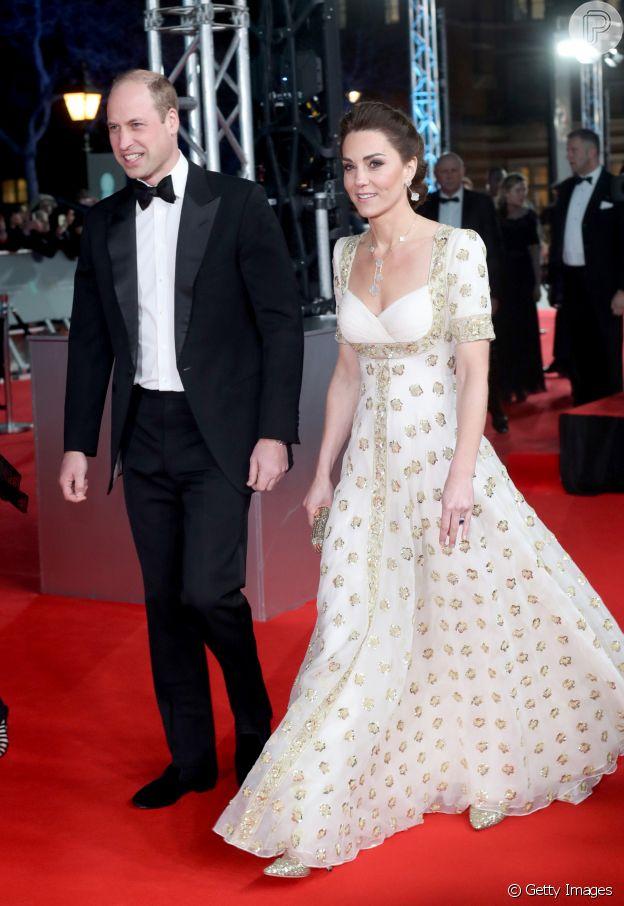 Famosas no BAFTA: Kate Middleton aposta em vestido fluido neste domingo, dia 02 de janeiro de 2020