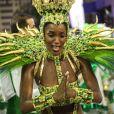 O dourado predominou na fantasia da cantora Iza, rainha de bateria da Imperatriz