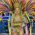 Luísa Sonza, musa da Grande Rio, brilhou de fantasia dourada na Avenida