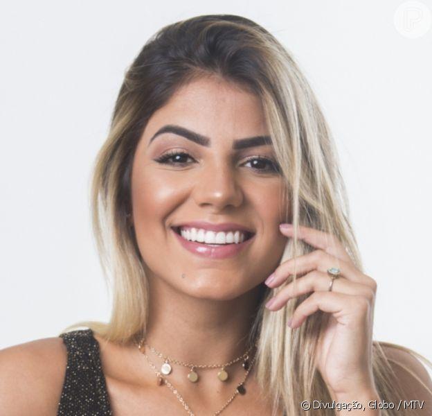 Hariany Ameida dá beijo em ex participante do 'De Férias', Bruno Toledo