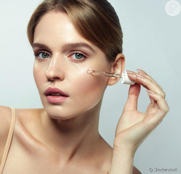 O cleansing oil, também conhecido como óleo de limpeza, é um aliado na rotina de beleza