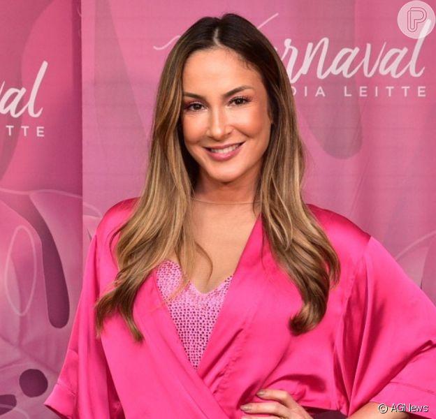 Claudia Leitte cancela show por suspeita de coronavírus