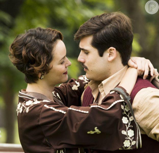 Últimos capítulos da novela 'Éramos Seis': Alfredo (Nicolas Prattes) ganha final feliz com Adelaide (Joana de Verona)