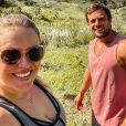 Mariana Bridi e Rafael Cardoso estão passando quarentena na fazenda da família