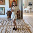 Maraisa, da dupla com Maiara, usou  jumpsuit off-white e  mule da Gucci