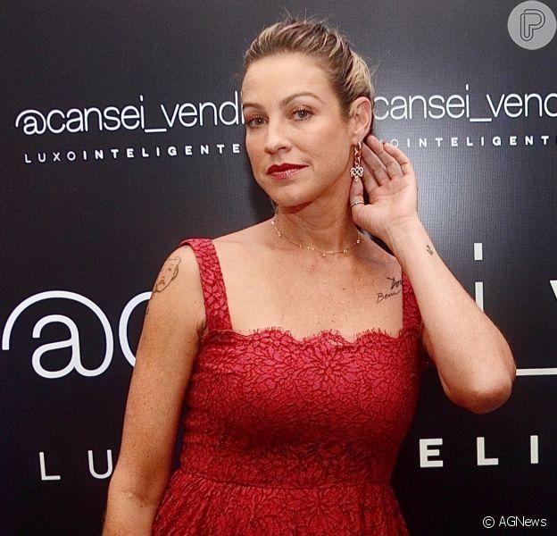 Luana Piovani aceita pedido de casamento do namorado,Ofek Malka, na web
