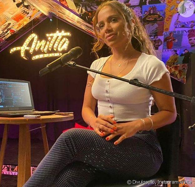 Anitta comandou uma live neste domingo, 10 de maio de 2020