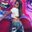 Anitta ironizou áudios vazados e entrevistou Danna Paola em programa no Multishow