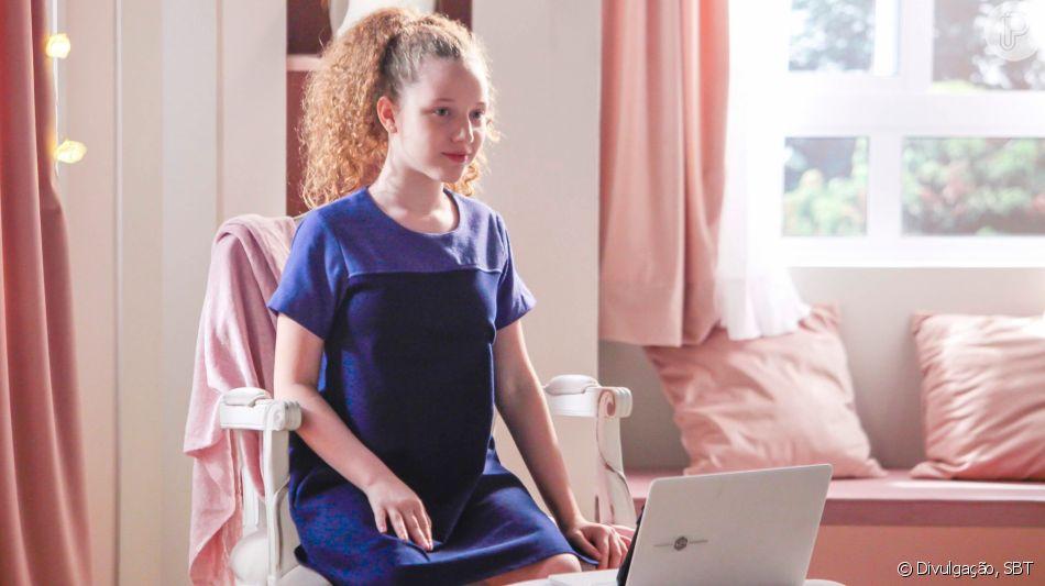 Novela 'As Aventuras de Poliana': Ester (Mariana Kfouri) é retirada do laboratório pelas crianças, que fazem de tudo para religar o robô a partir do capítulo de quinta-feira, 2 de julho de 2020