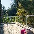 Eliana posta foto tomando sol com Manuela
