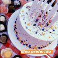 Marina Ruy Barbosa mostra detalhes dos docinhos e do bolo de sua festa íntimista de 25 anos