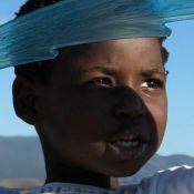 Filho de Gio Ewbank e Gagliasso exibe cabelo black power e encanta Babu Santana