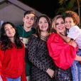 Simony é mãe de quatro filhos, Ryan, Aysha, Pyetra e Anthony