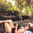 Maraisa relaxa em passeio na cachoeira