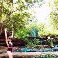 Maraisa faz vídeo de passeio na cachoeira com maiô